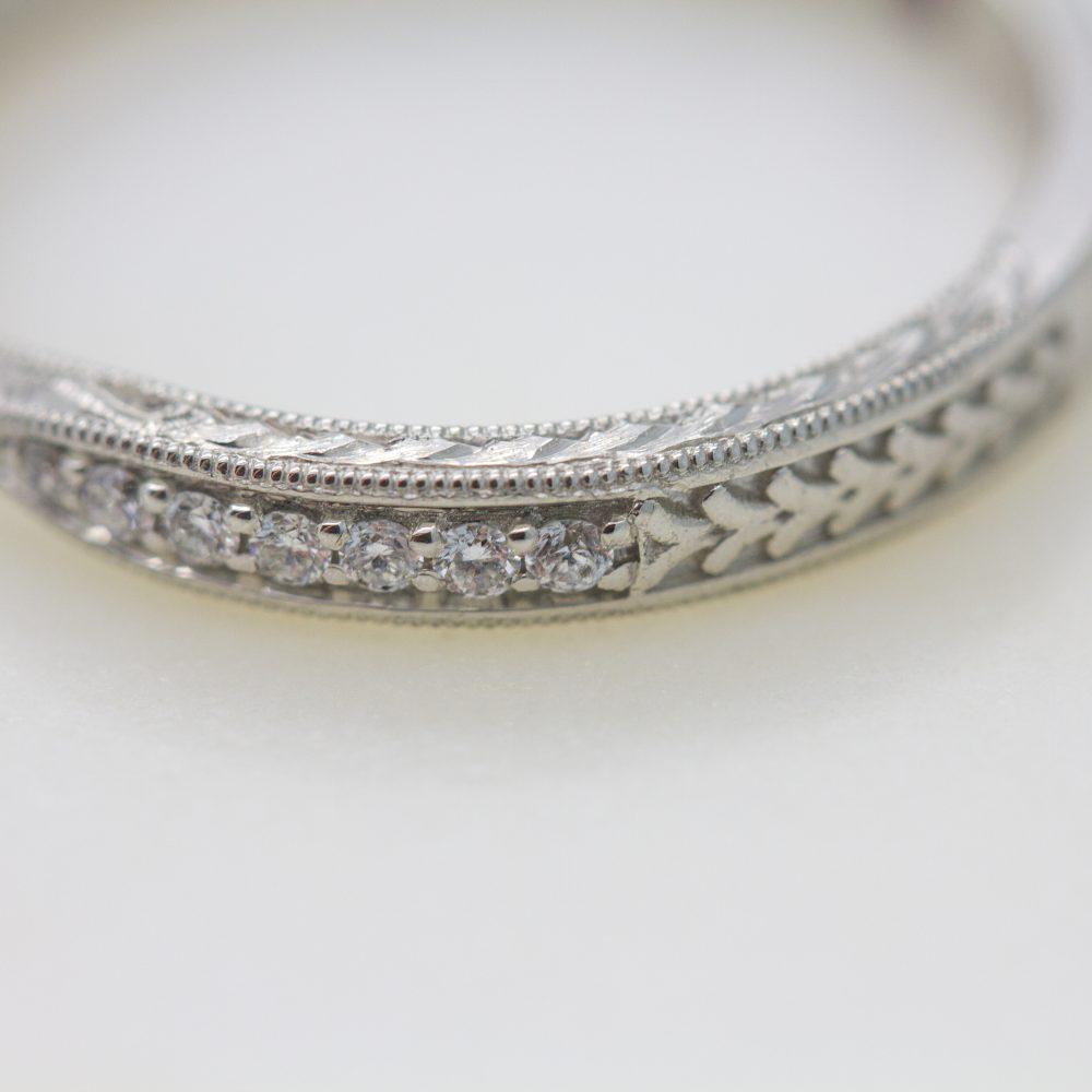 milgrain detail on wedding band