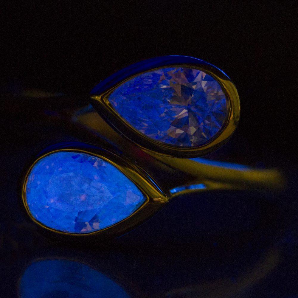 coloured diamond fluorescence
