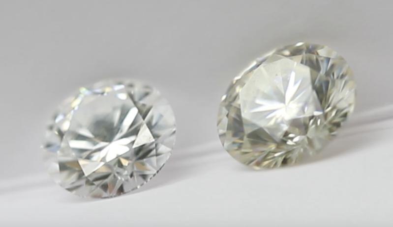 diamond vs moissanite colour